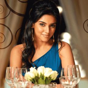 6 erreurs viter quand on va un mariage indien la franco indienne - Coiffure semi attache ...